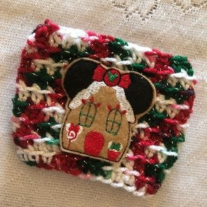 Minnie Gingerbread House Cozy 🎄